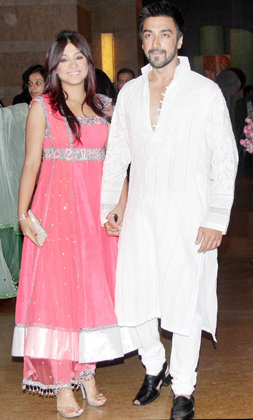 Ashish Choudhary Wife1 - Ashish Choudhary with Wife at Vashu Bhagnani's daughter Honey Bhagnani's sangeet