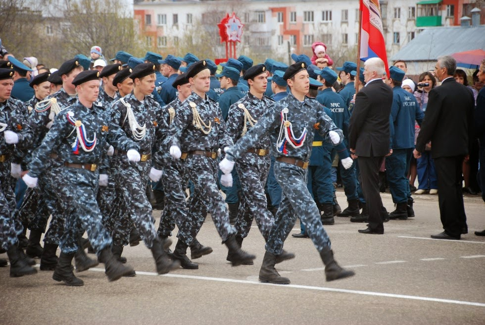 Парад 9 мая 2014 в Лысьве - кадеты