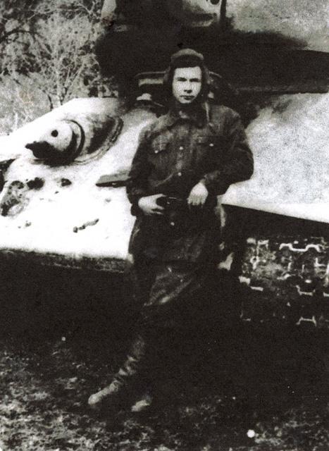 Radziecki dowódca czołgu Michaił Iwanowicz Esaułow.