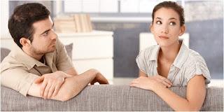 4 Cara Menenangkan Istri yang Tersakiti