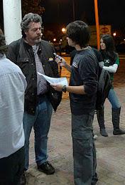 periodista entrevista a Uralde en alcorcon