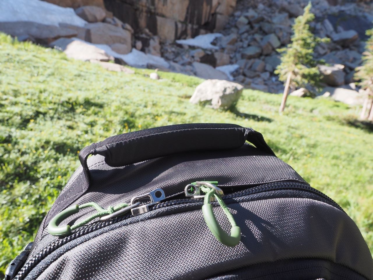 As The MindShift Gear FirstLight 20L Is Meant For The Trail And Town, The  Zippers Have Loops For A Lock To Keep Your Gear From Getting Jacked.