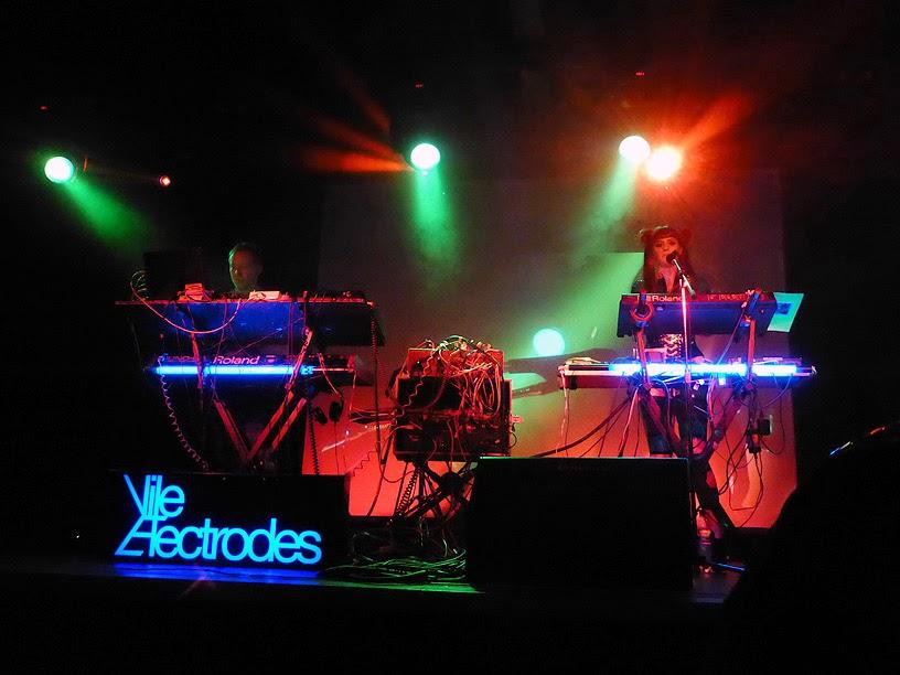 Martin Swan & Anais Neon : Vile Electrodes live @ Electronic Circus 2014 / photo S. Mazars
