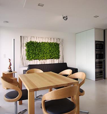 Salas con jardines verticales ideas para decorar for Jardin vertical oficina
