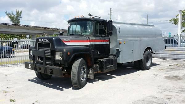 1980 Mack R600 Fuel Truck - Old Truck