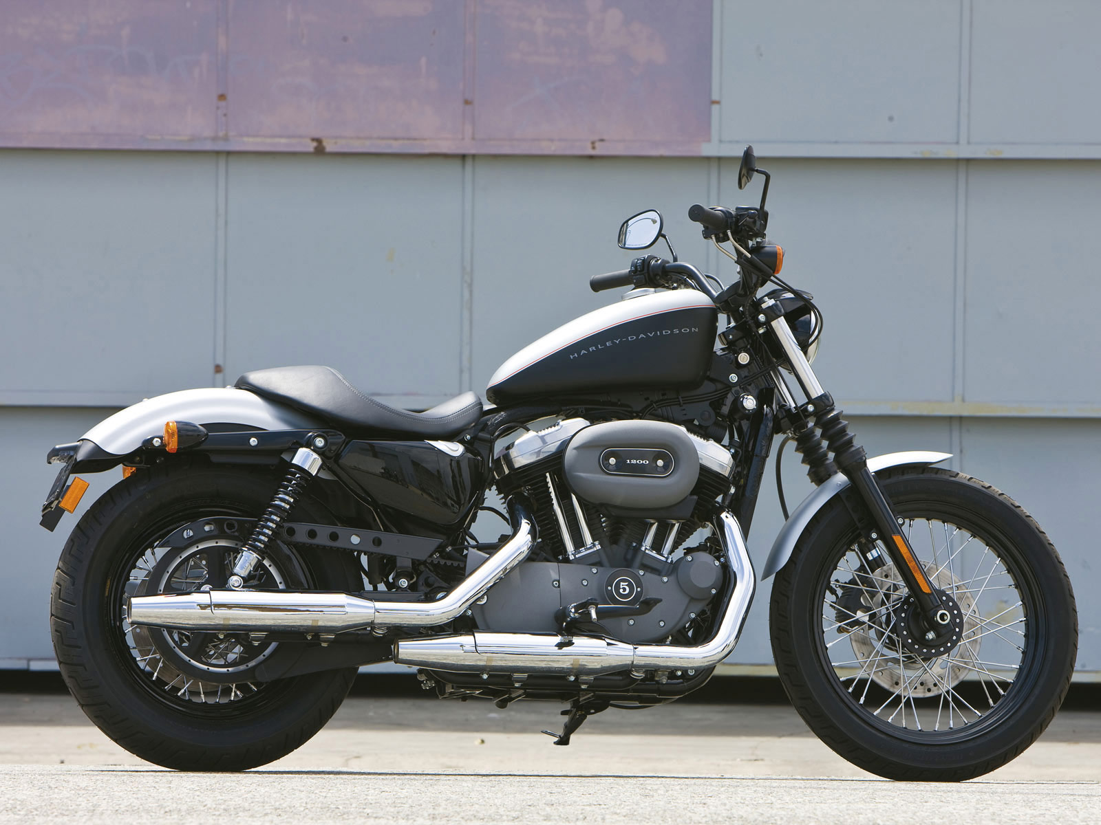 xl 1200n sportster 1200 nightster 2009 harley davidson. Black Bedroom Furniture Sets. Home Design Ideas