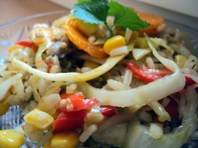 Ryż z kukurydzą, kapustą, papryką