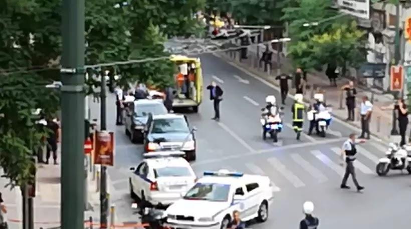 Βίντεο: Η στιγμή της μεταφοράς των τραυματιών μετά την τρομοκρατική επίθεση στον Παπαδήμο