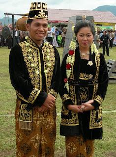 Gambar Baju Busana Adat Jawa