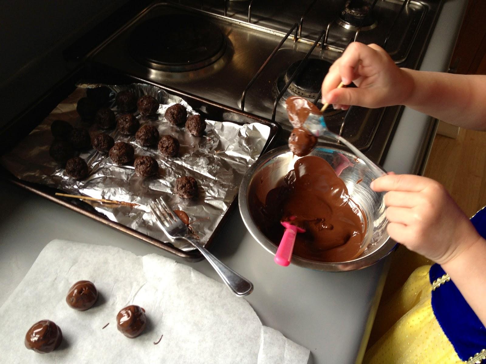 Клубника в шоколаде - 6 рецептов, как сделать изысканный десерт своими