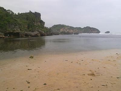 Perairan Dangkal Pantai Drini