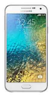 Samsung Galaxy E5 tampak depan