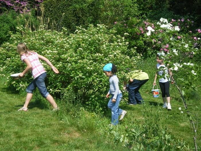 Escuelas pluriling es franc s la tradition de p ques for Le jardin france 5