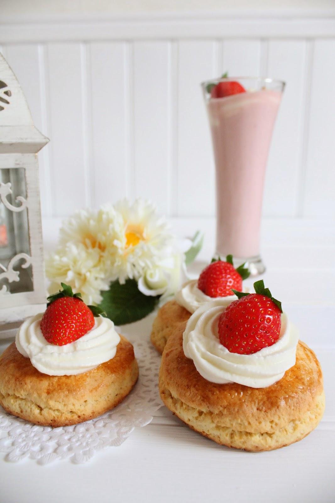 shortcakes-de-fresa-y-batido