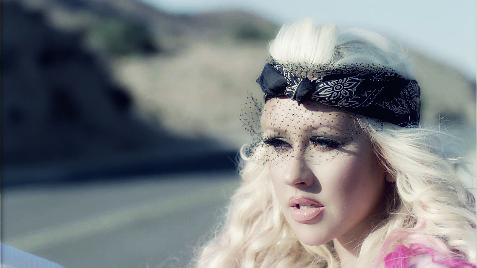 http://3.bp.blogspot.com/-3bVk50ipmYc/UJ7549FGcsI/AAAAAAAAASk/sxs9J_nKQN8/s1600/Christina-Aguilera-Your-Body-video-christina-aguilera-32338608-1920-1080.jpg