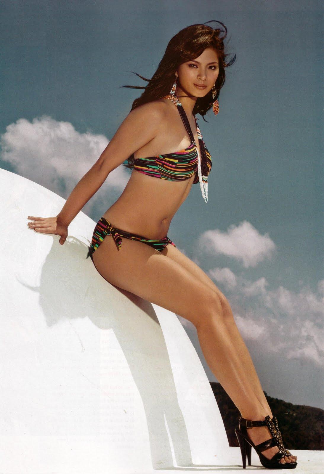 Hot angle Nude Photos 100