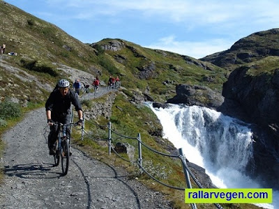 Sykling langs rallarvegen er en perfekt sykkeltur i flotte omgivelser