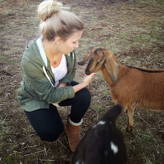 @BatteredHope  Rochelle and her animals