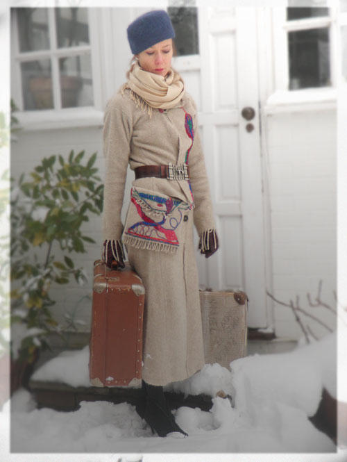 Psynopsis Vintage Travel Look DIY Wool Suit Eric Bompard Scarf Vintage Hat and Suitcase