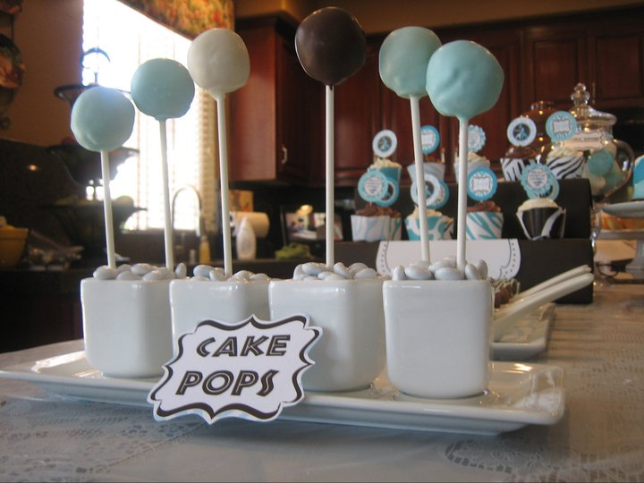 simple cake pops for a safari themed baby shower