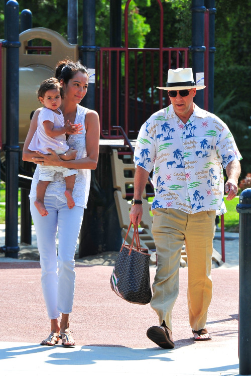 Park time! Bruce Willis and family. ~ Celebrity Baby And ...