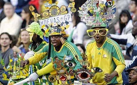 Insiden memalukan terjadi ketika sedang menonton perlawanan bola sepak piala dunia