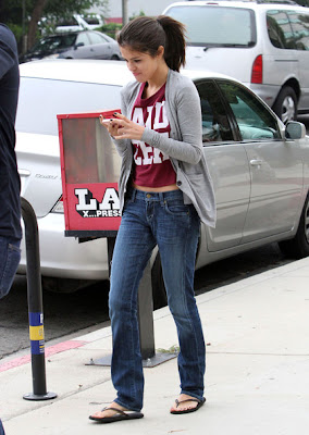 Selena Gomez outing with Family look Cute