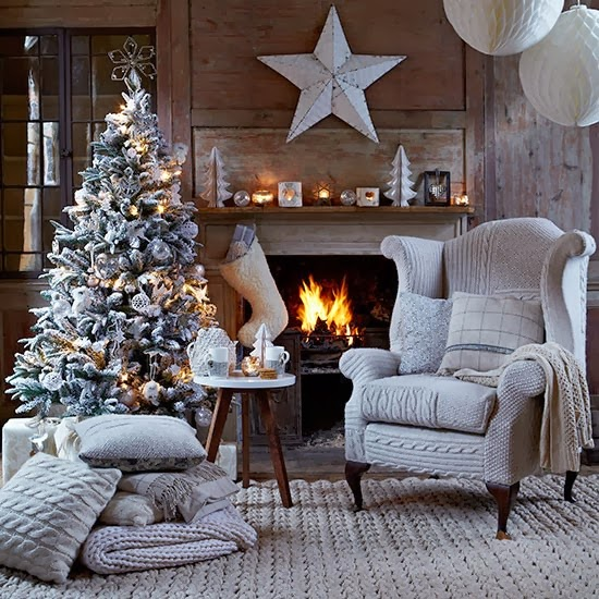 FELIZ NAVIDAD II (Shiri) Christmas-living-room-with-knitted-chair-cover--Country-Homes--Interiors--Housetohome.co.uk