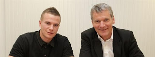 cleverley with new contract
