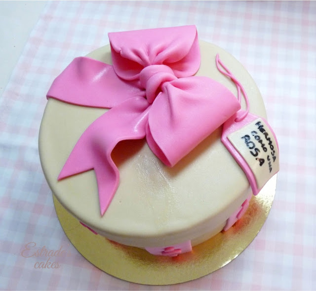 tarta caja decorada con fondant - 2