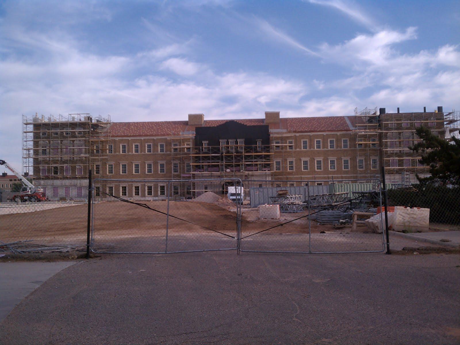 http://3.bp.blogspot.com/-3dDpoXXHuRc/TeT6NTz_qfI/AAAAAAAAAXE/pAJgrc2SGDM/s1600/rawls+business+administration+building.jpg