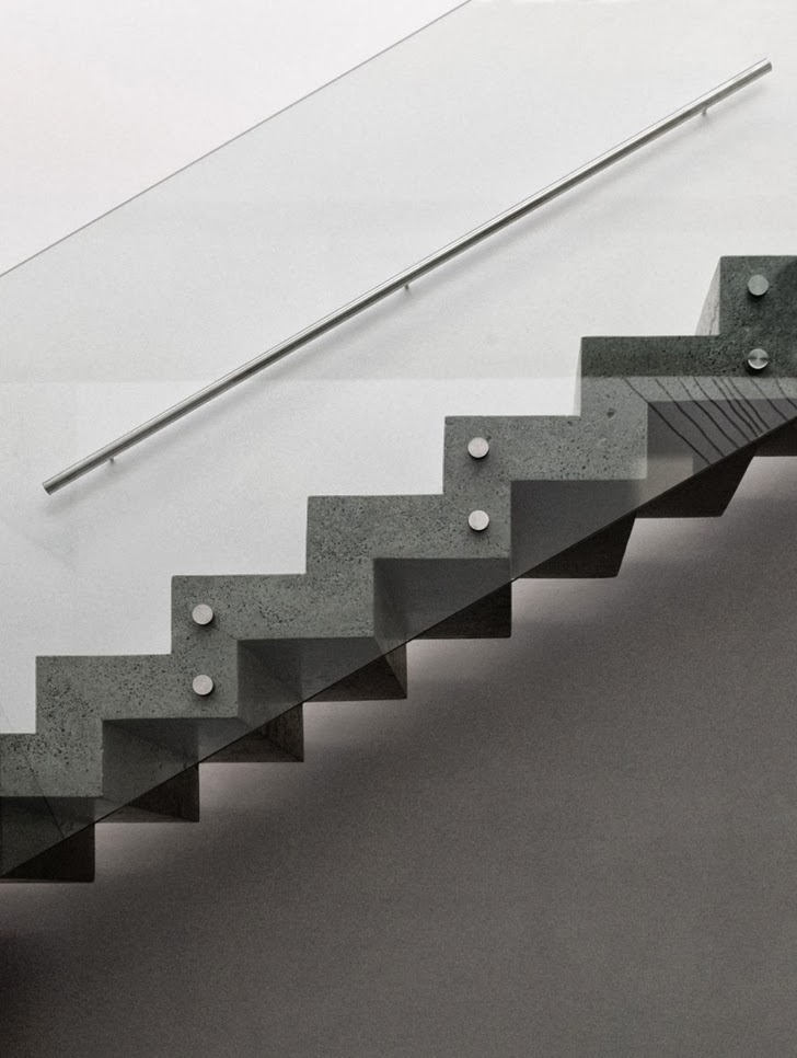 Concrete stairs in Modern dream home by Paz Arquitectura