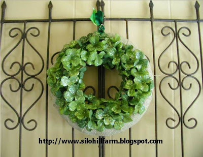 Burlap+and+Clover+Wreath+on+Gate.jpg