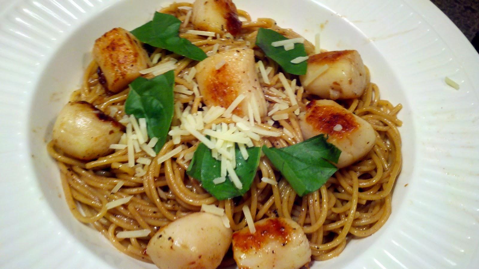 Seared Scallops Pasta With Garlic White Wine Sauce