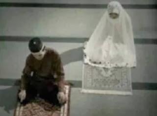 Shalat malam suami istri - ilustrasi