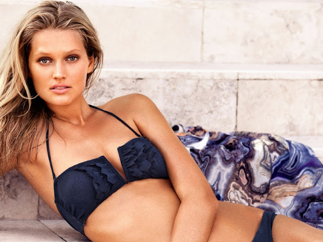 Toni Garrn Biography