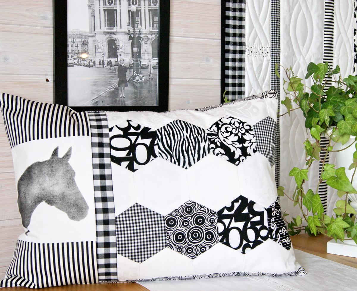 meine quilts und ich kissen in schwarz wei. Black Bedroom Furniture Sets. Home Design Ideas