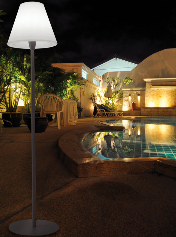 Lamparas g iluminacion y dise o iluminacion exterior y de for Iluminacion exterior jardin