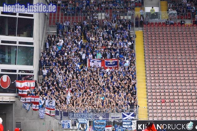 Le Mouvement en Allemagne . - Page 3 1.+FC+Kaiserslautern+-+Hertha+BSC++010