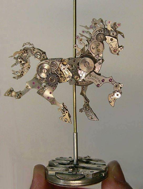 Jam Tangan Kuno Bentuk Kuda