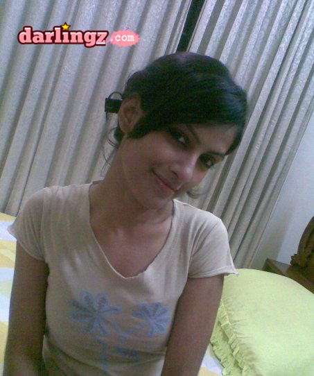 Darlingz.com - The Entertainment Zone: Khanewal Girls