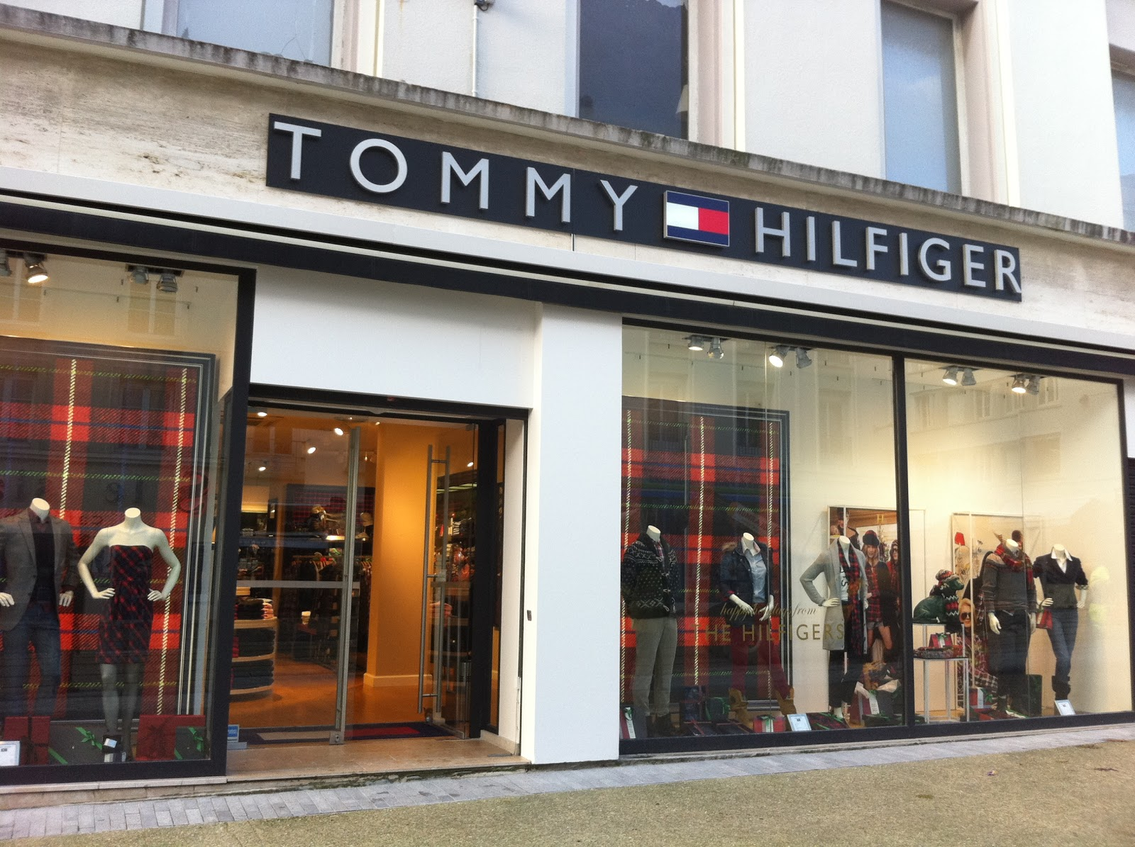 remerciements tommy hilfiger i c o n i c. Black Bedroom Furniture Sets. Home Design Ideas
