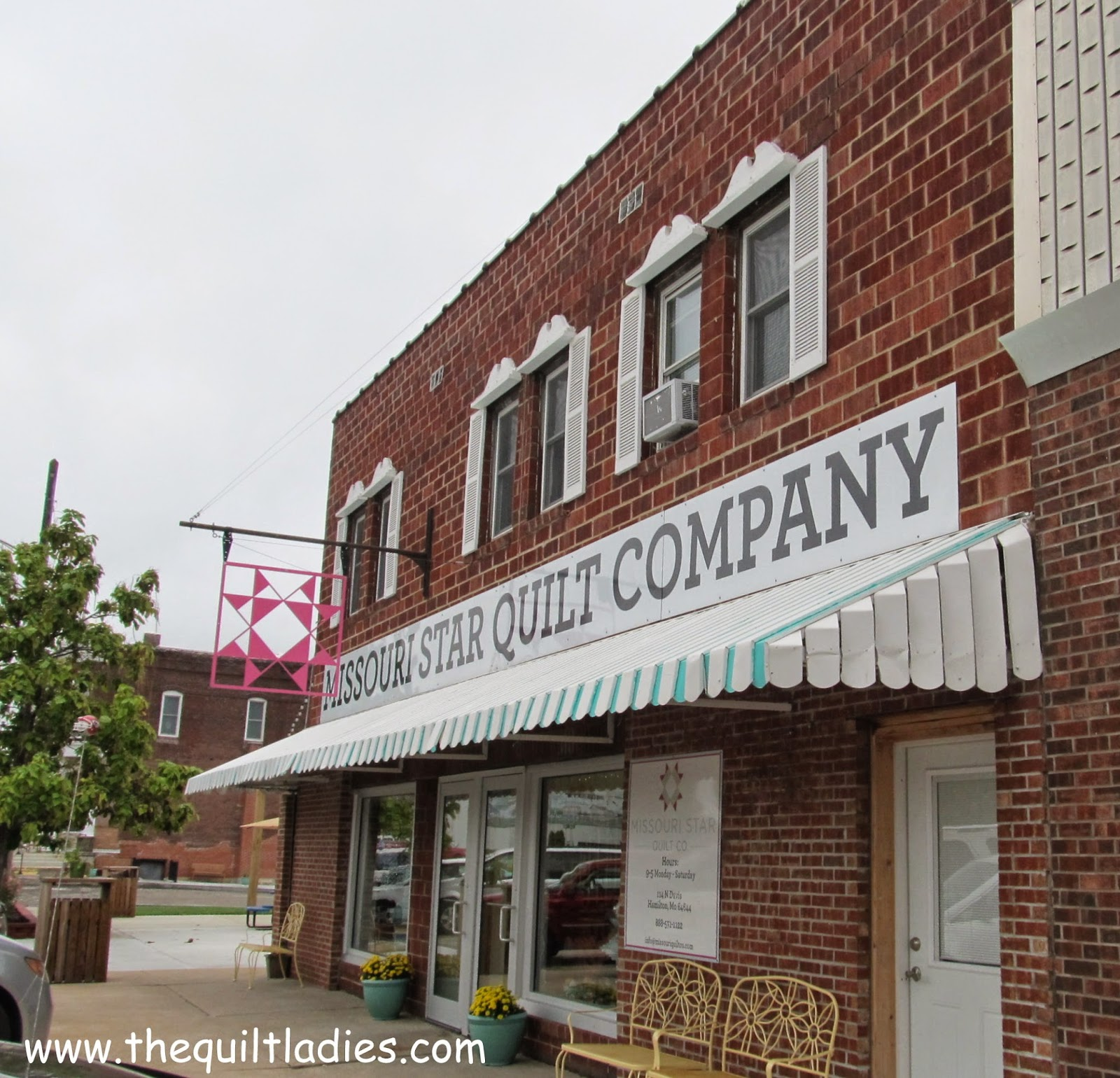 Missouri Star Quilt Company building