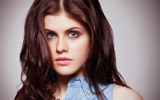 Alexandra Daddario Pictures at DKNY Spring 2014 Fashion Show | ~ Bollywood and South Indian Cinema Actress Exclusive Picture Galleries