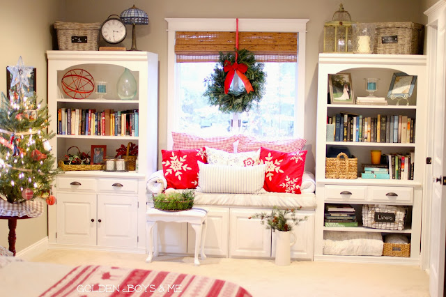Christmas window seat with wreath and tree in master bedroom-www.goldenboysandme.com