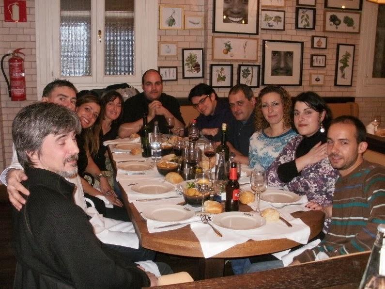 Qu familia cena navide a con amigos for Cena fria para amigos