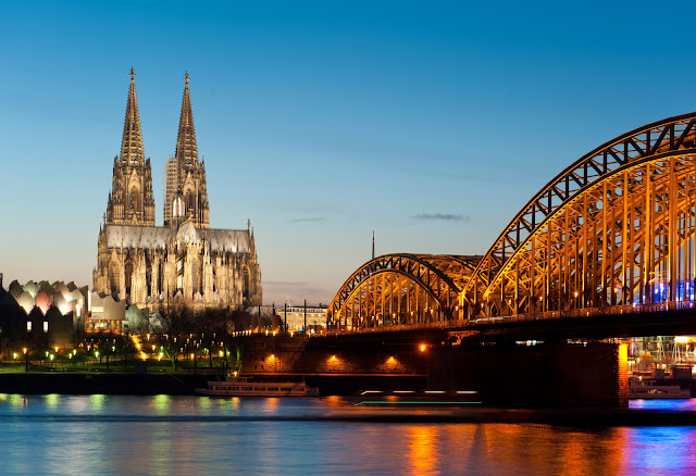 A stunning feat in Gothic architecture, the Cologne Dom dominates this view along the Rhine River in Germany. Photo: © EuroTravelogue™. Unauthorized use is prohibited.