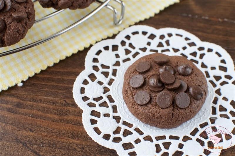 Galletas de chocolate sin lactosa de cerca