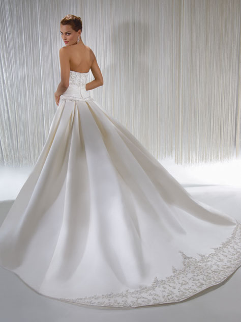 Demetrios Wedding Dresses Prices : Demetrios wedding dress