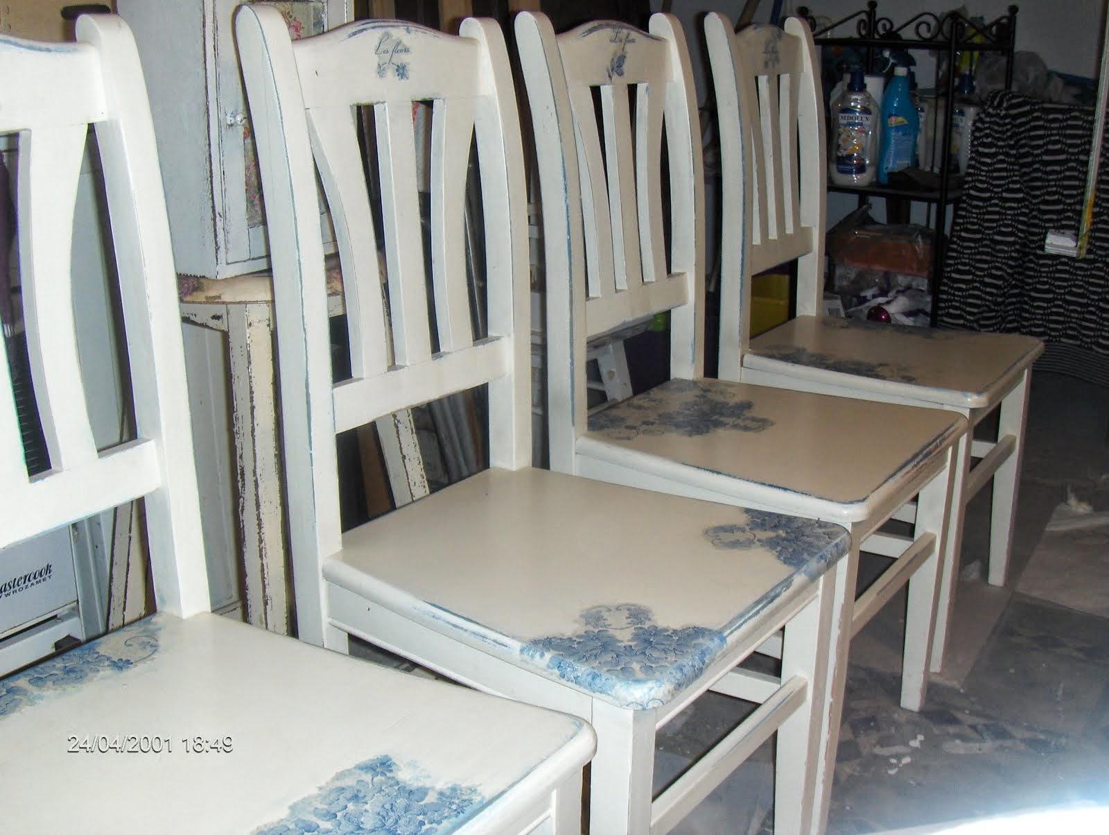 krzesła do małego białego................